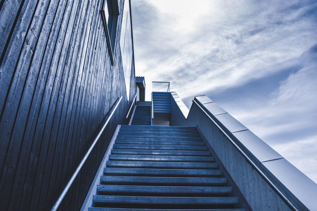 escada, escada, escada